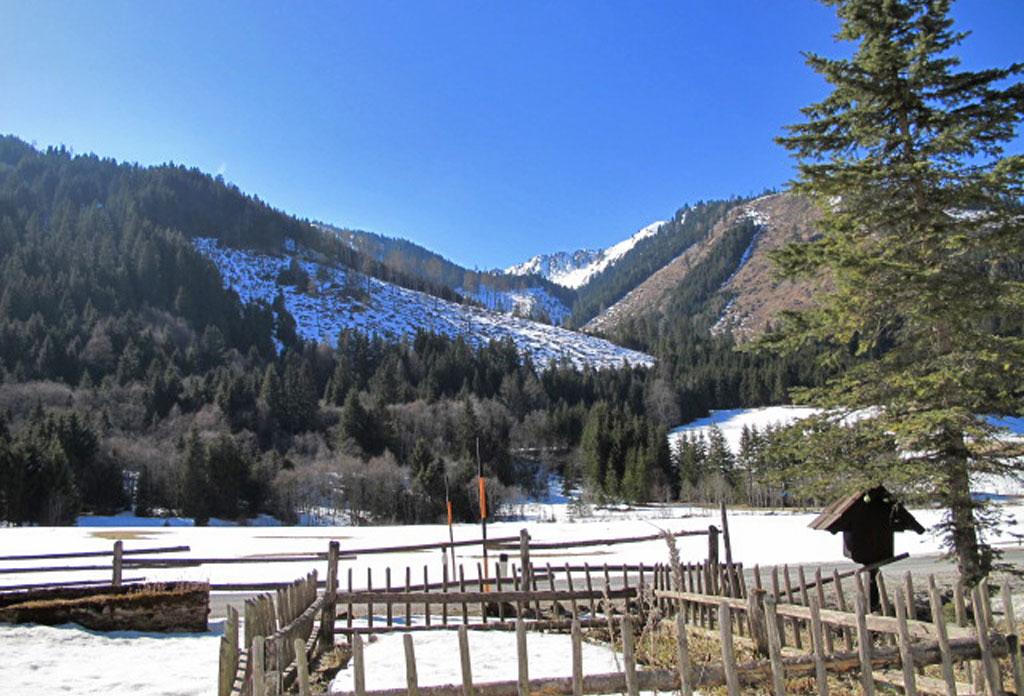 Wegkreuzhütte Ausblick im Winter